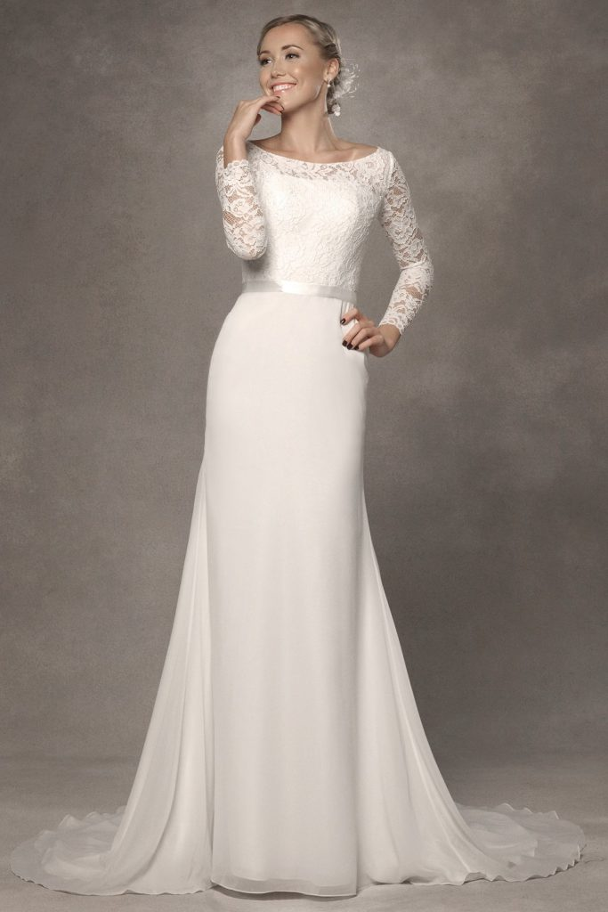 7 long sleeved wedding dresses you 39 ll love find your for Simple long sleeve wedding dresses