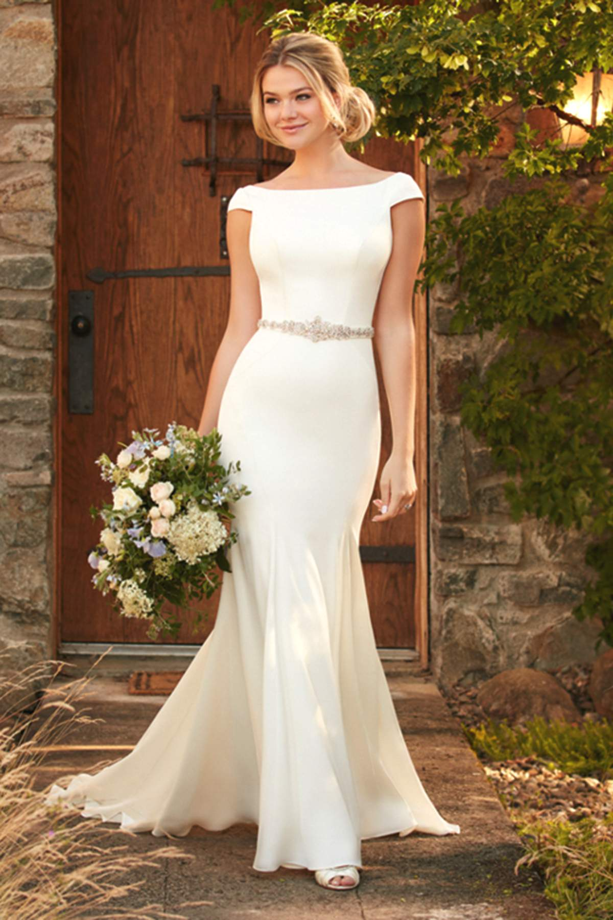 Style d2261 by essense of australia find your dream dress for Essense of australia wedding dress cost