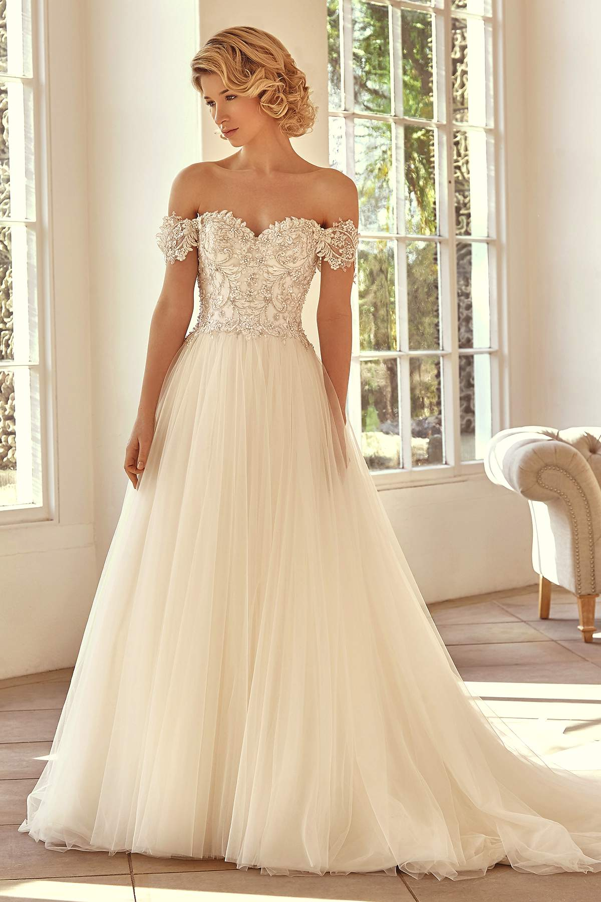 Style 2728 by Benjamin Roberts