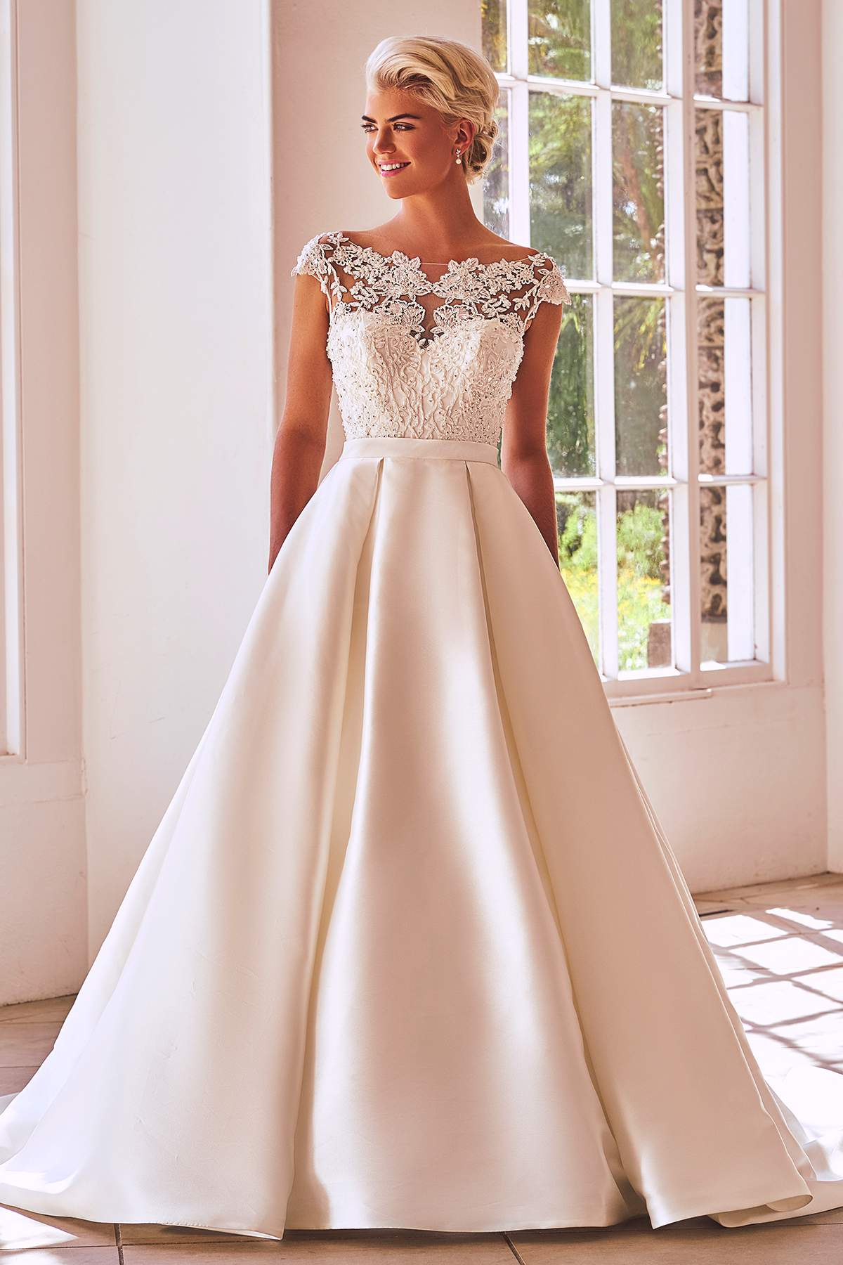 Style 2762 By Benjamin Roberts Find Your Dream Dress