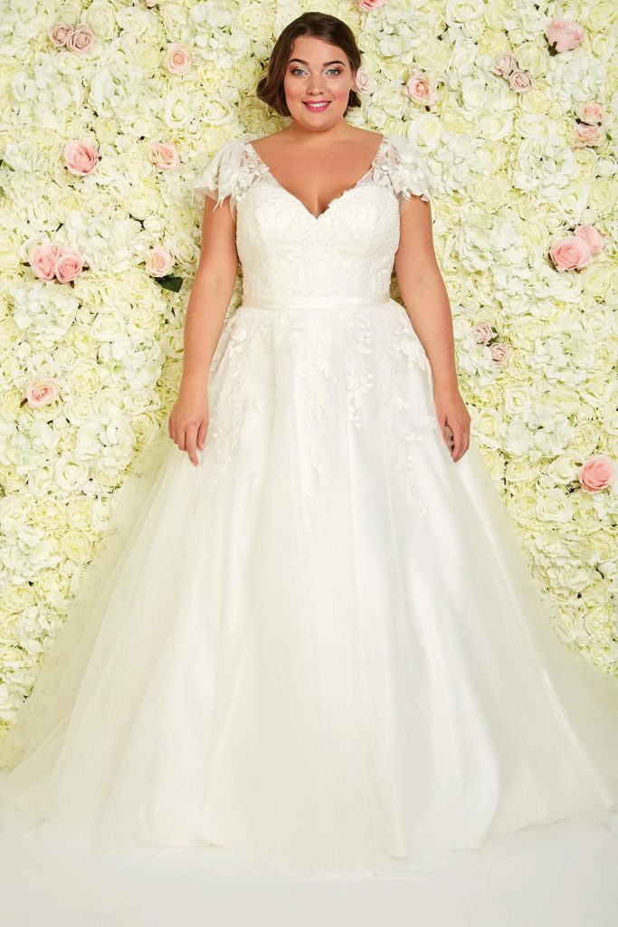 Los angeles by callista find your dream dress for Plus size wedding dresses los angeles