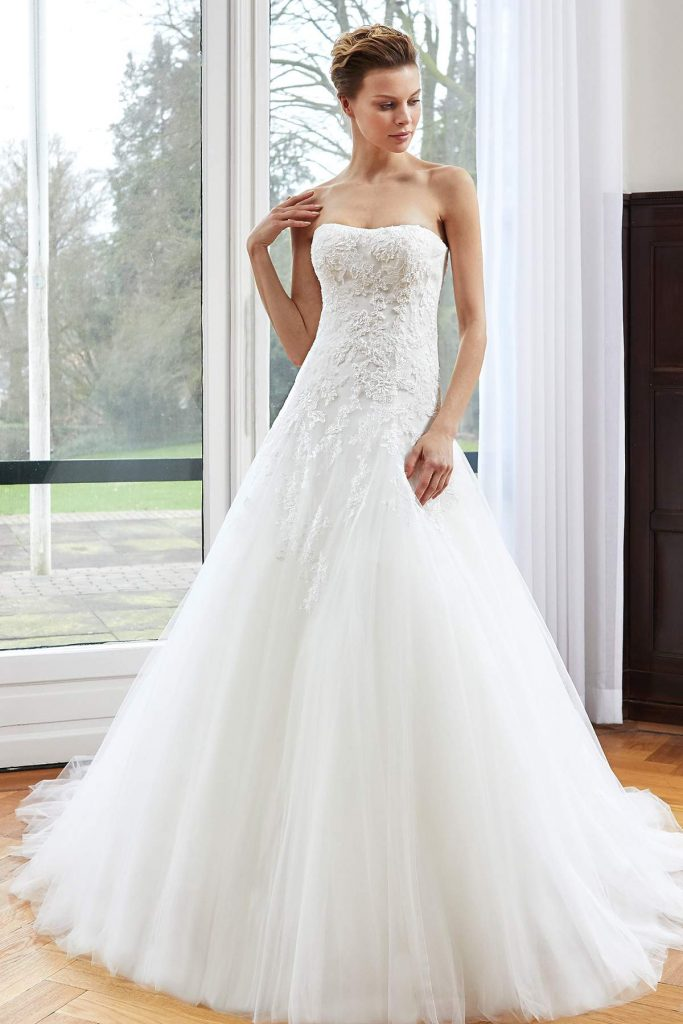 Wedding dresses to match your star sign find your dream for Build your dream wedding dress